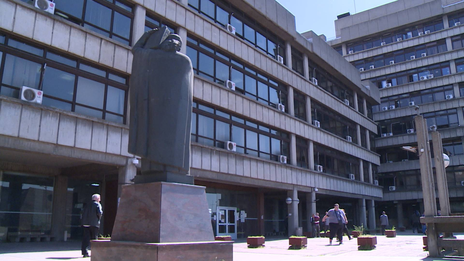 Stručnjaci o predstojećem polugodišnjem izveštaju Evropske komisije o vladavini prava u Srbiji Stručnjaci CEPRIS-a nude svoje viđenje stanja u pravosuđu i rešenja