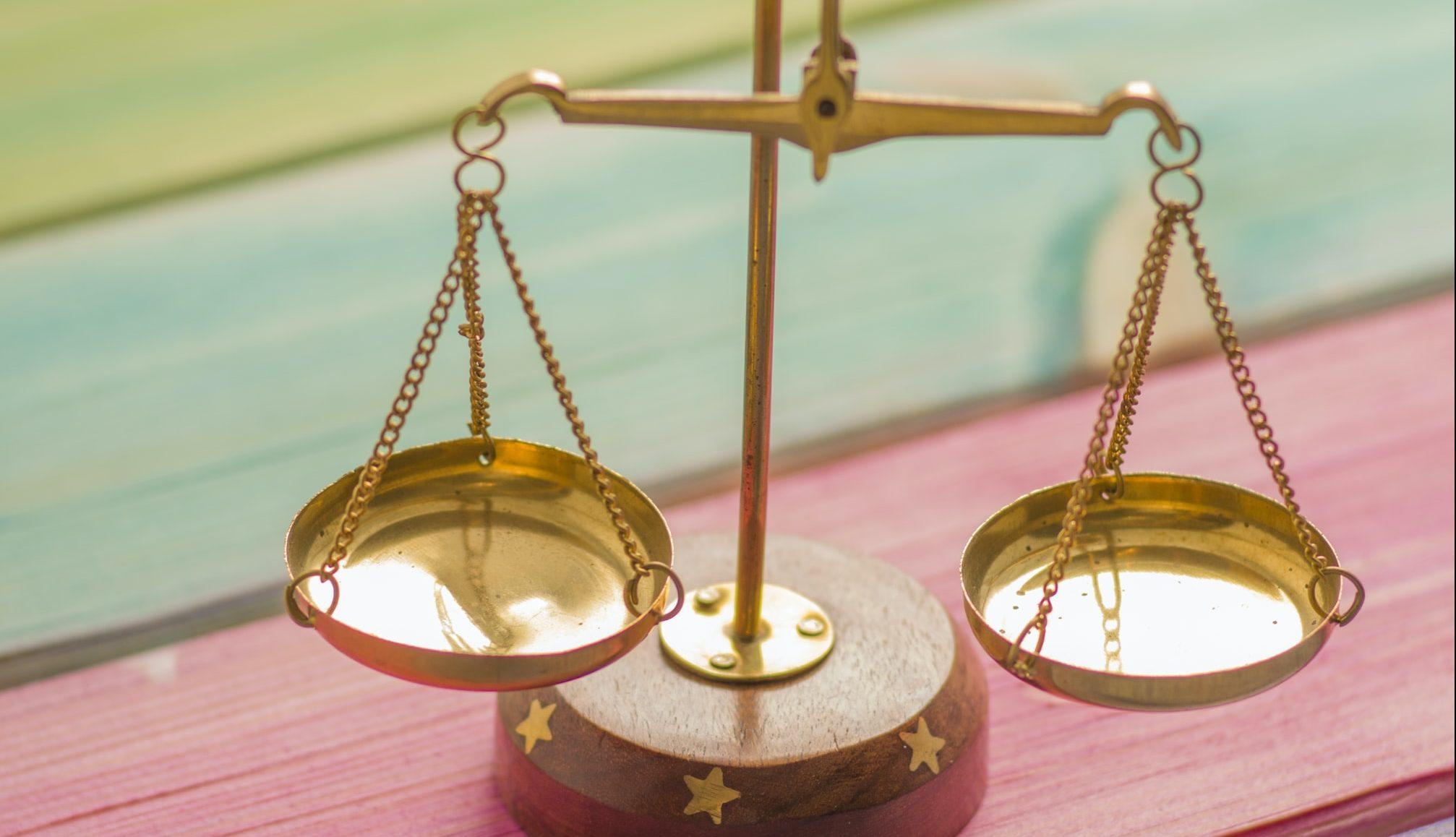 Akt o promeni Ustava doraditi stavovima struke